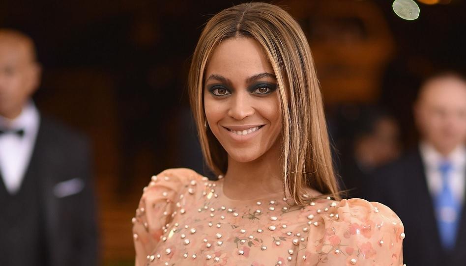 Beyoncé Knowles gehört zu den reichsten Musikern der Welt. Angefangen hat sie mit dem Singen in der Kirche. Ihre tiefen Gefühle für Gott bringt sie täglich im Gebet zum Ausdruck. Sie weiß von ganzem Herzen, dass Gott real ist.