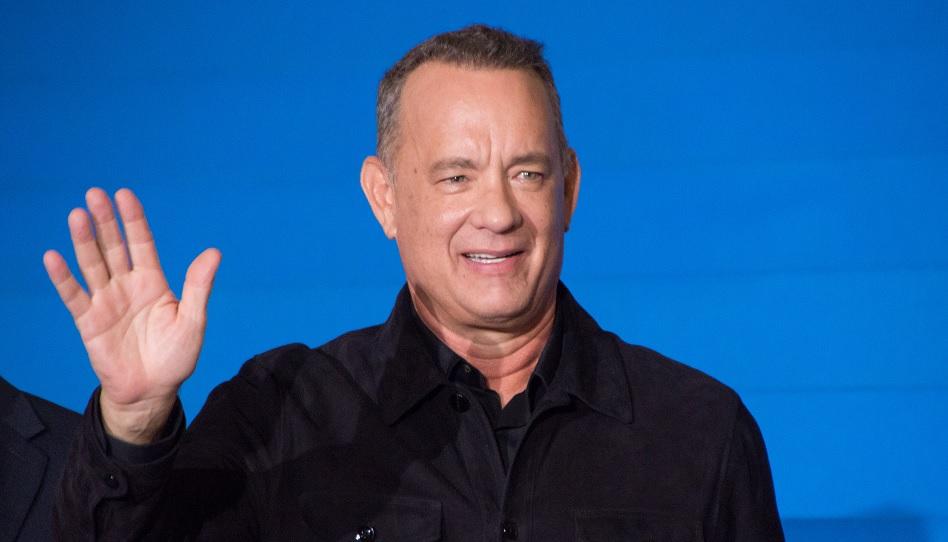 Tom Hanks verbrachte in seiner Jugend viel Zeit damit, über Gott nachzudenken. Er wurde als Katholik und Mormone erzogen und geht auch heute noch regelmäßig in die Kirche.